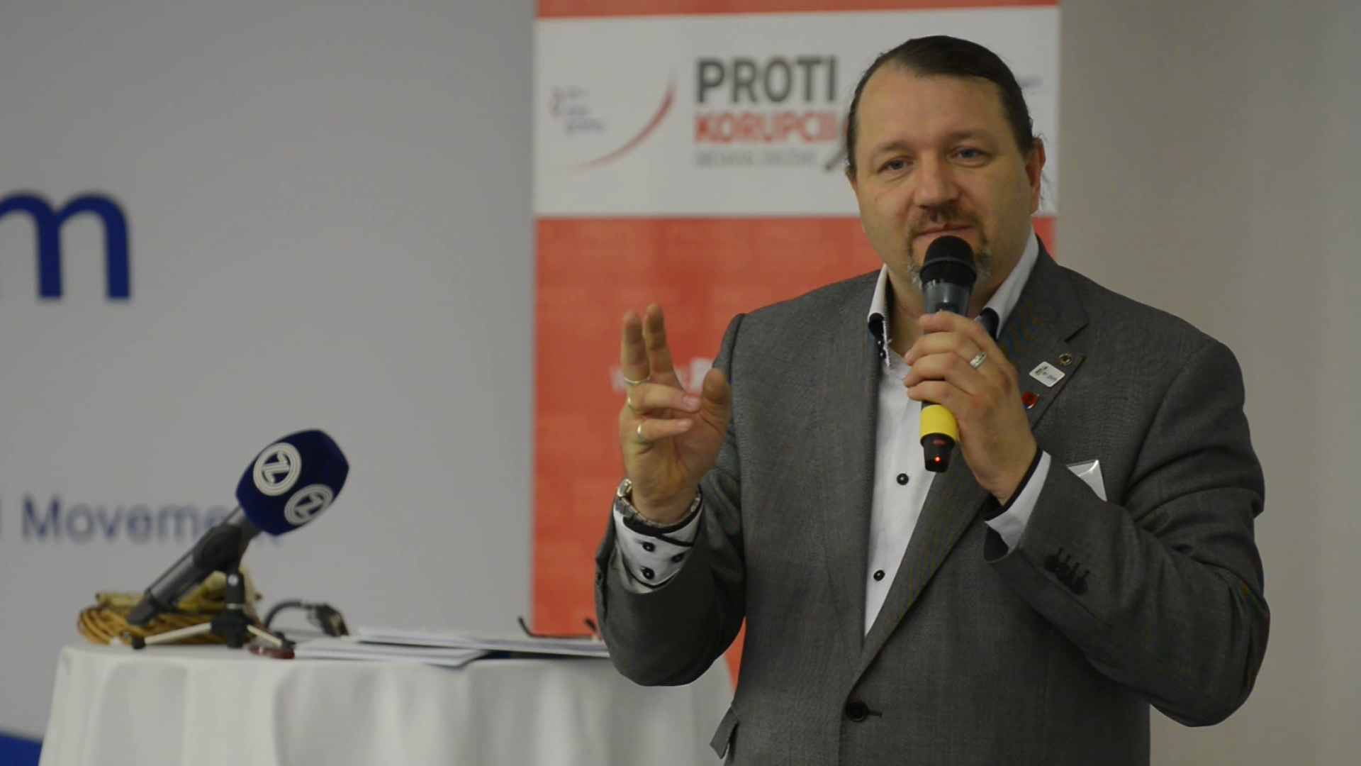 Branislav Škripek: Mandát bez hraníc